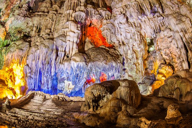 halong bay cave of surprise