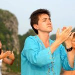 practice tai chi lesson in the morning at halong bay