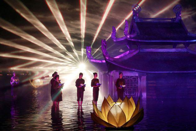 the tonkin show in hanoi