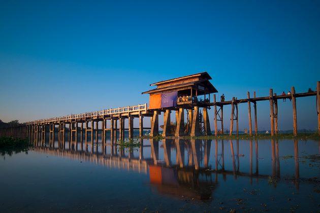 the well known u bein bridge
